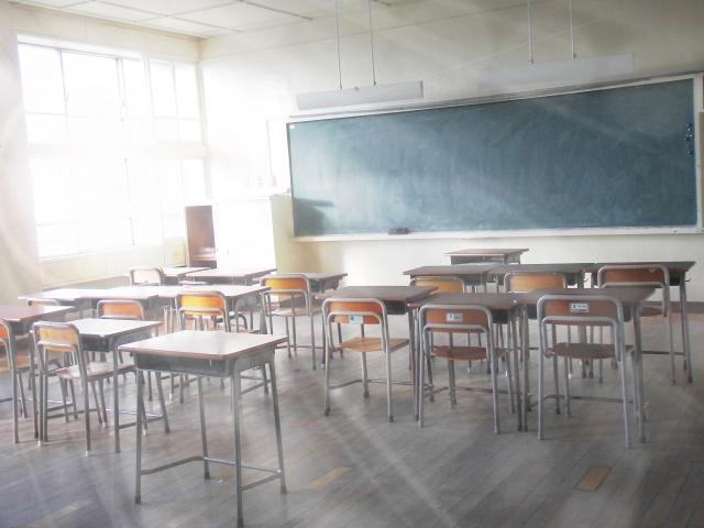 教育学部の志望理由【例文2つ(小学校、中学校)とその書き方】